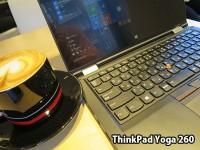 Yoga 260を開いてThinkPadカラーのマグカップでカプチーノをすすりながら一仕事