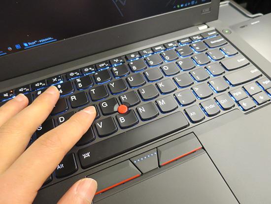 X260 英語キーボード バックライト付きが打ちやすい