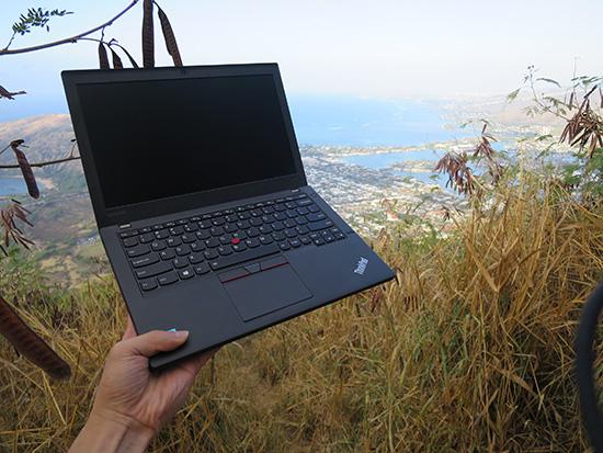 Thinkpad X260をココヘッド山頂付近で開く