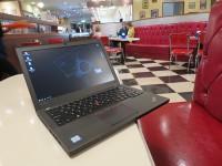 ブルーシールアイスの店内でThinkPad X260