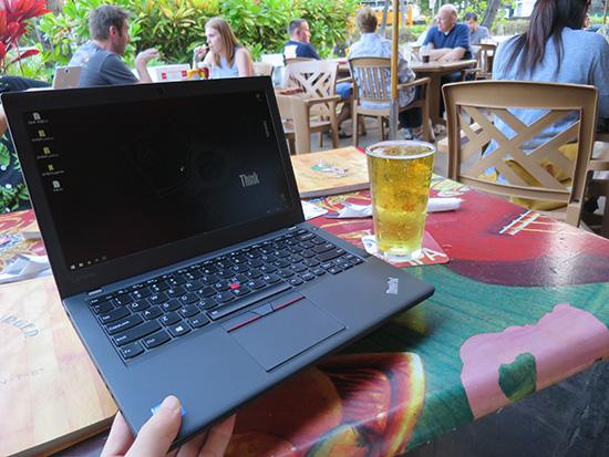 ThinkPad X260とビールで乾杯!