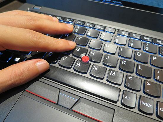 銀座でメンズネイルをしてパソコン仕事 ThinkPad X260が活躍