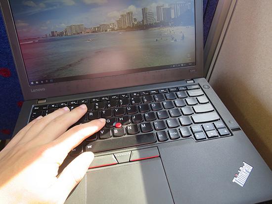 ThinkPad X260 キーボード 電車内でも静かにタイプできるのがありがたい