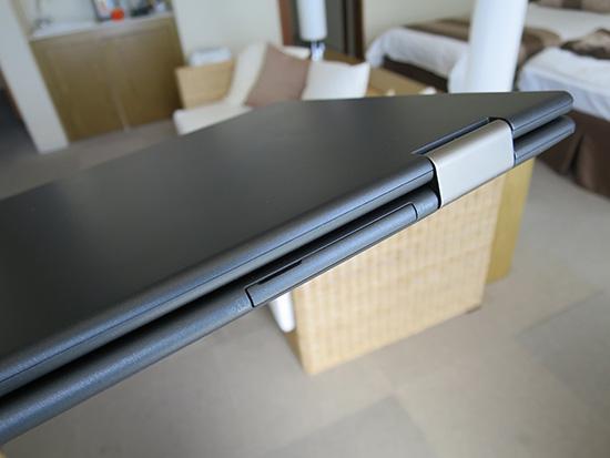 ThinkPad X1 YogaマイクロSDカードスロット