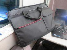 ThinkPad X1 Yoga Carbonのバッグ そのまま入れるならこれで決まり