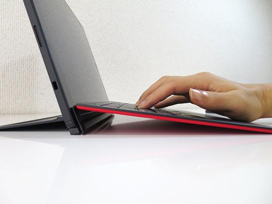 X1 Tablet キーボードは傾斜する