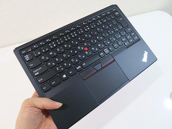 X1 tablet 着脱式のキーボード マグネット式で外しやすい