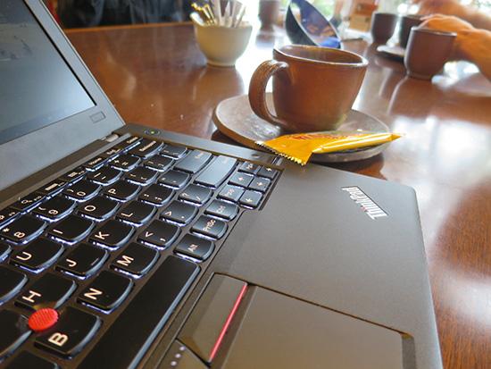 旅先、出張で利用が限定的ならThinkPad X260 リア3セルのみで十分たりた