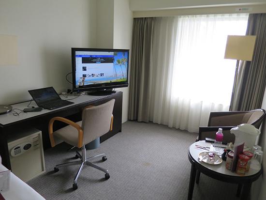 ThinkPad X1 Yogaは仕事や出張に最適なノートパソコン