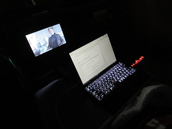 007スペクターを見ながら X1 Tablet