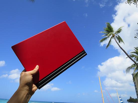 X1 Tablet コンパクトで持ち運びやすい