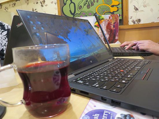 ThinkPad X1 Yoga マルチタッチ液晶が便利