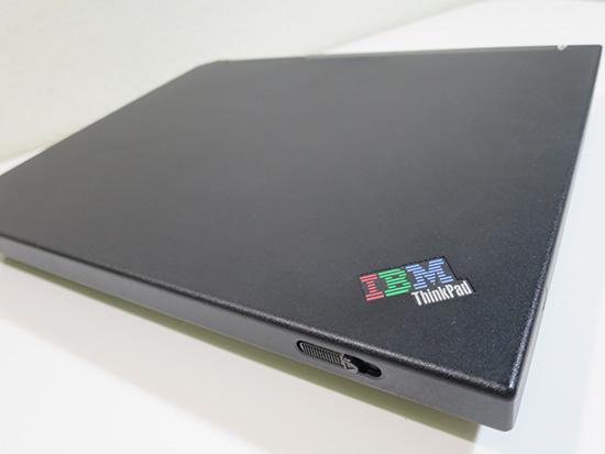 ThinkPad R40e 天板がきれい