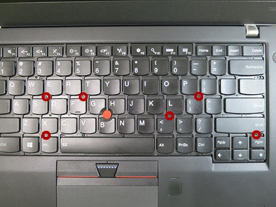 T460s キーボードを固定しているネジを緩める