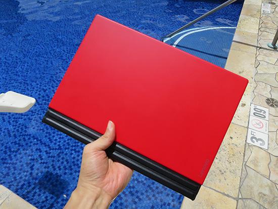 X1 tablet 1kgの重量はかなりのアドバンテージ