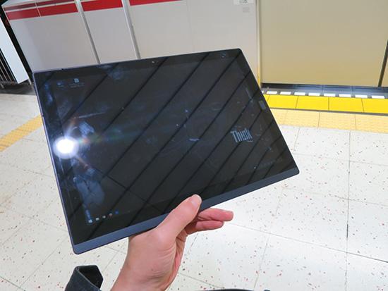 スマホの代わりにThinkPad X1 Tablet 都営地下鉄ホームでlte通信