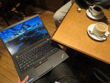 ThinkPad T460sを膝の上にのせて・・・