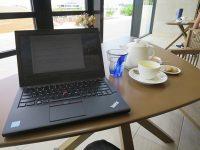 ヒルトン沖縄北谷のラウンジでチェックイン時間まで PC仕事