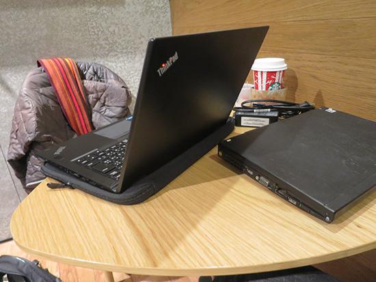 ThinkPad X200sよりも薄いYoga 260だけれど・・・
