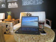 ThinkPad X260 持ち運び ハワイでまずカフェ