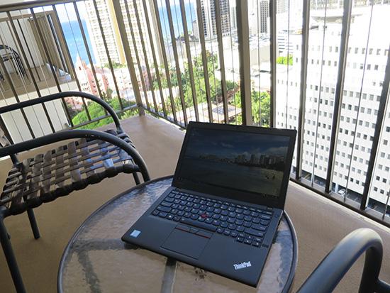 X260 ハワイのホテル ベランダで開く
