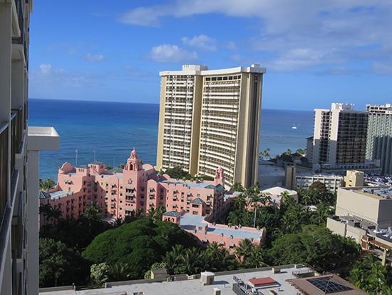 ロイヤルハワイアンとハワイブルーな海