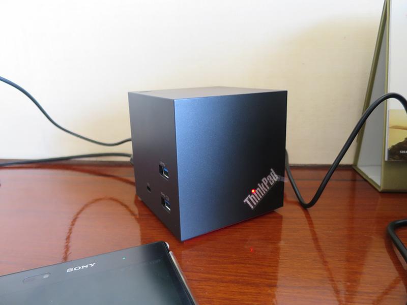 ThinkPad WiGigドックの弱点 ホテルの部屋でT460sとドッキング