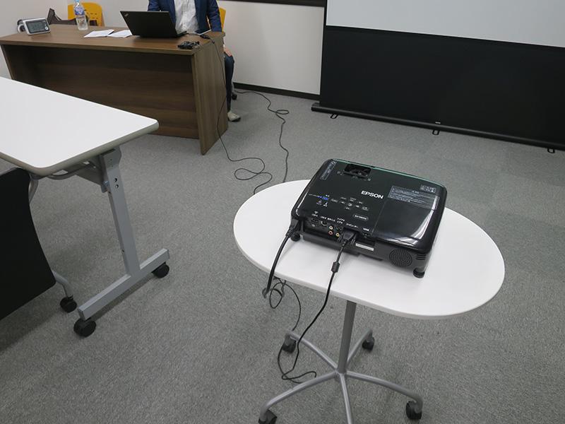 プロジェクターとノートパソコンとの距離が長いときのために・・・