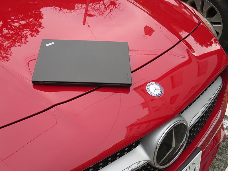 ThinkPad X270とメルセデスベンツ CLA180 Sport