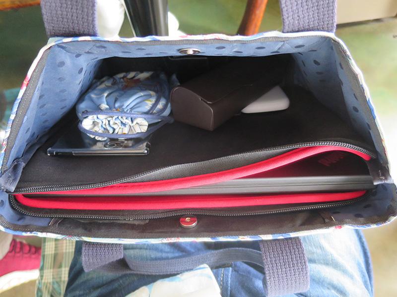 ThinkPad X270 コンパクトなバッグにぴったり