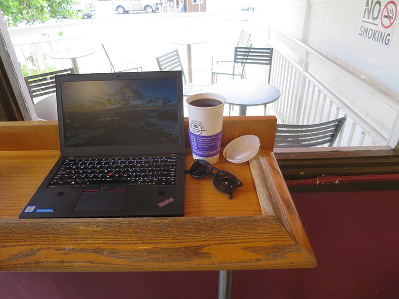 ハワイ穴場カフェ でThinkpad X270