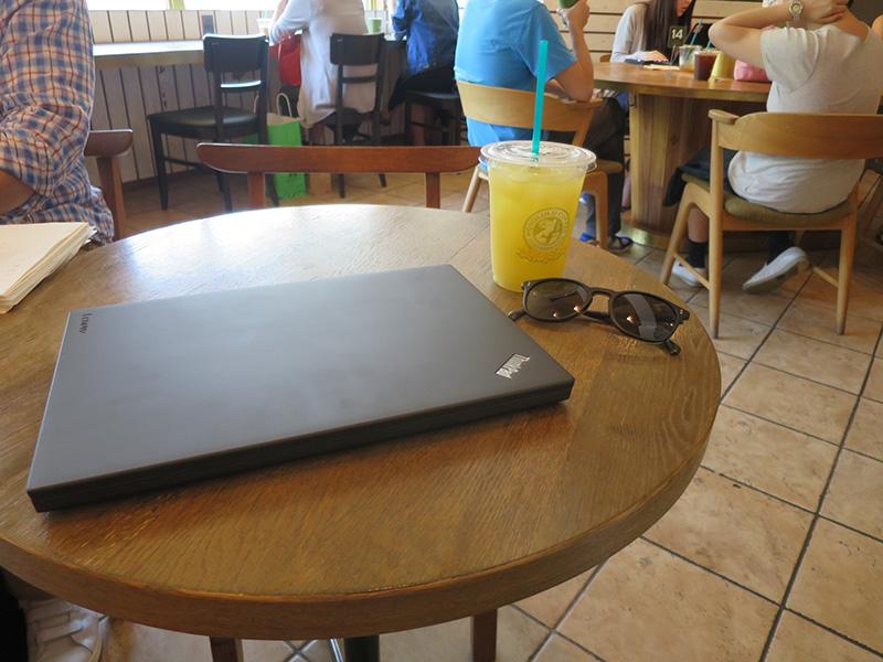 Thinkpad X270 使って3ヶ月も汚れが目立たない天板
