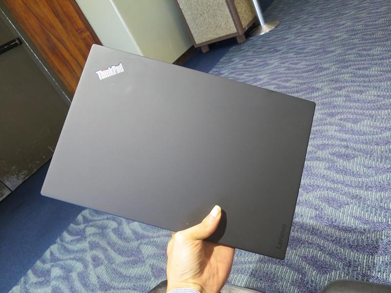 ThinkPad X1 Carbon 天板 カーボン部分