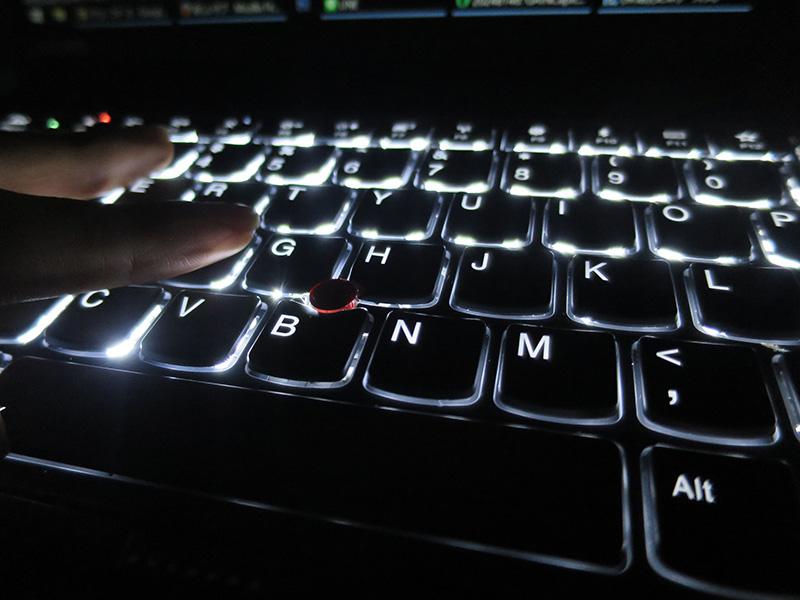 X1 Carbon 2017 になってさらにキーボードが打ちやすく感じる