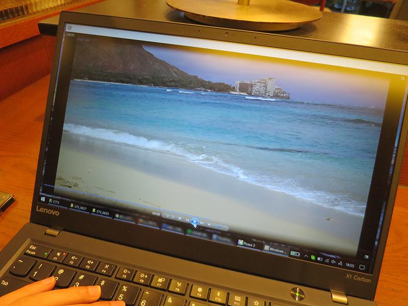 X1 Carbon 2017 液晶 FHD 4K映像もキレイ