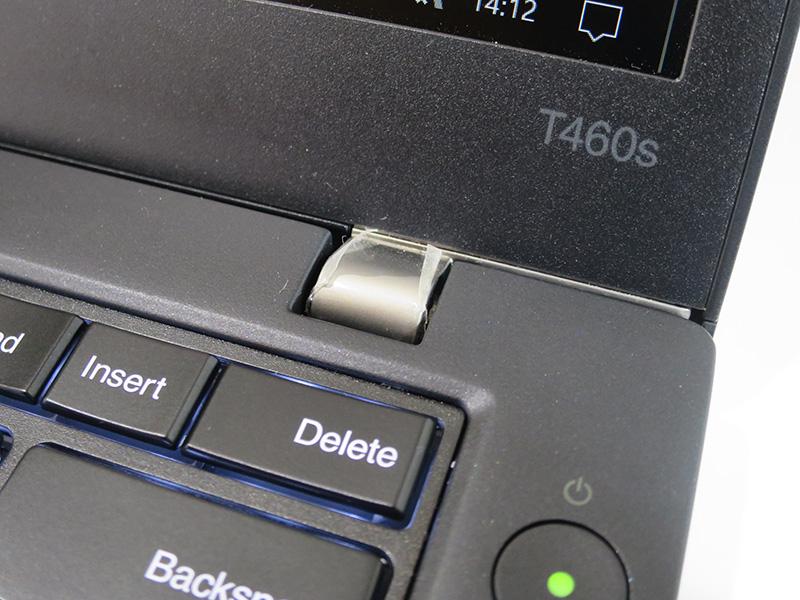 T460s 米沢モデル 液晶ヒンジにカバーがついていた