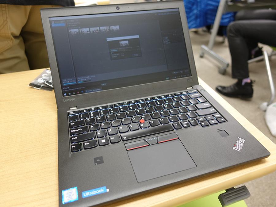 フルサイズのSDカードスロット X270から映像取り込み中