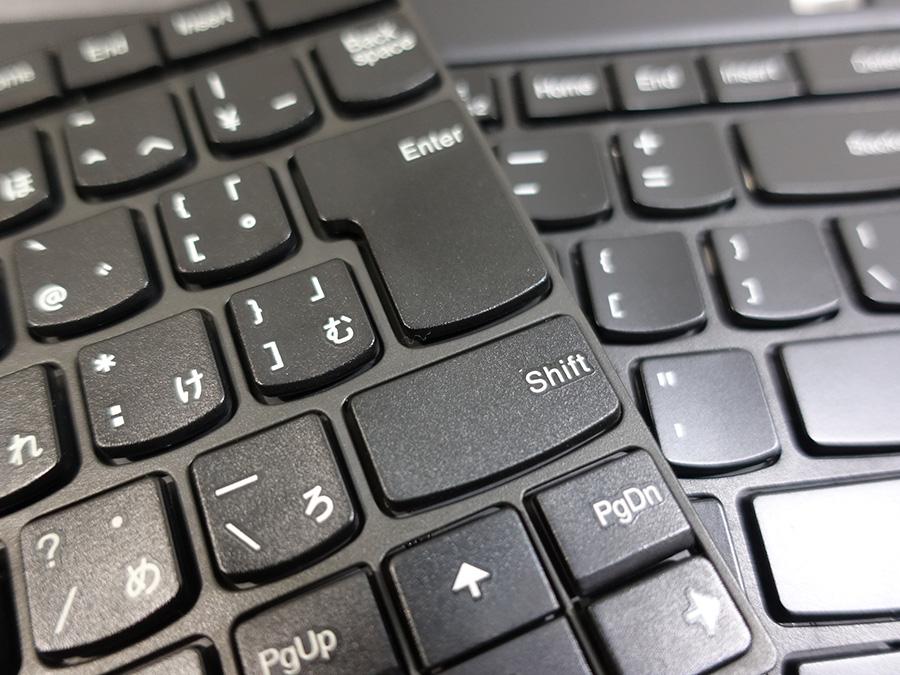 T440p バックライトなしはキートップに細かな凹凸がある