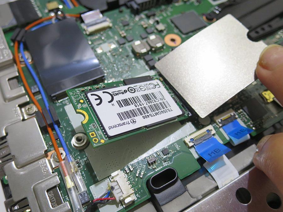 ThinkPad 25 WWANスロットに type2242 SSDを挿す