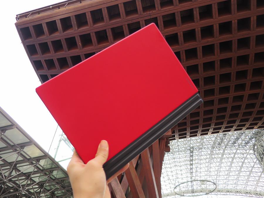X1 Tablet 赤いキーボードがかわいい