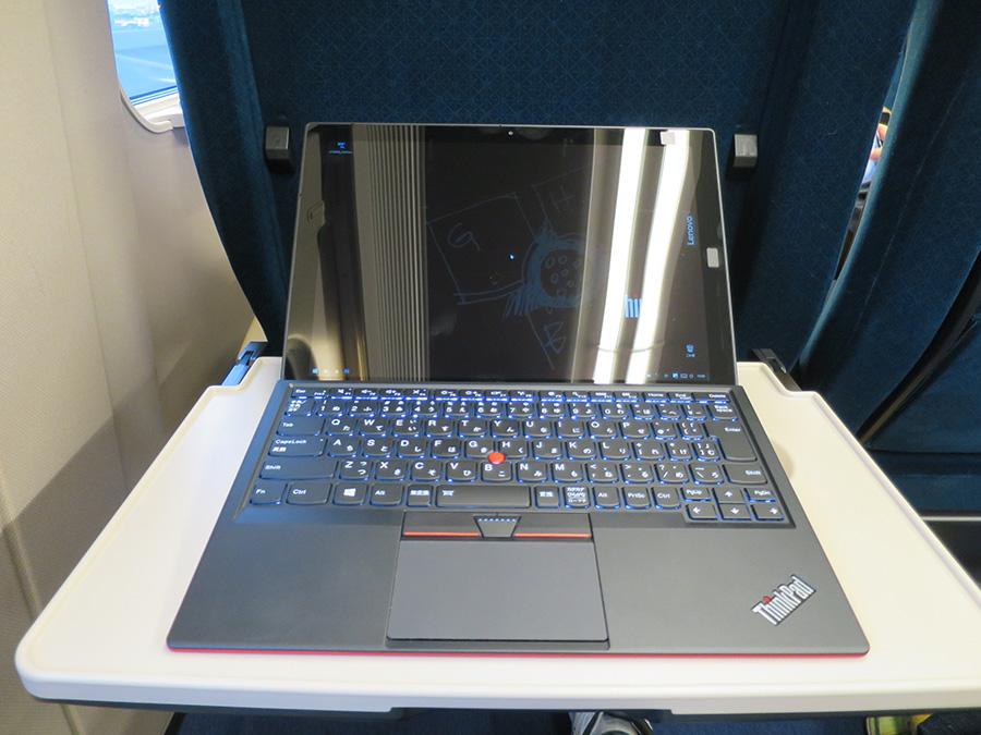 X1 Tablet 液晶面の反射