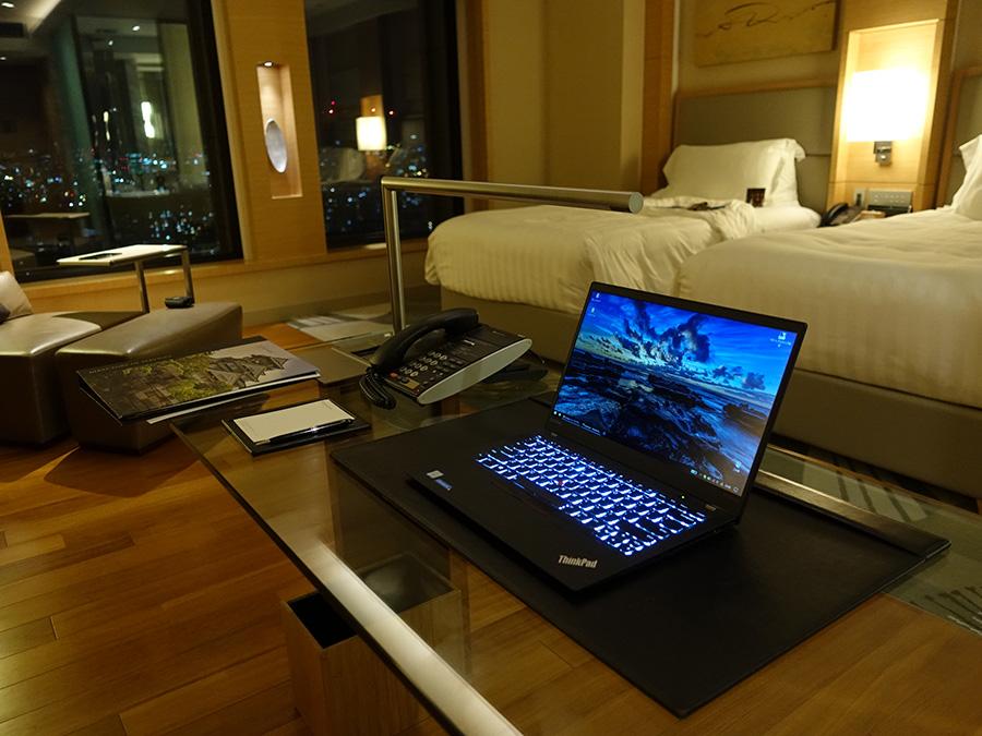 ラグジュアリーな高級ホテルでX1 Carbon