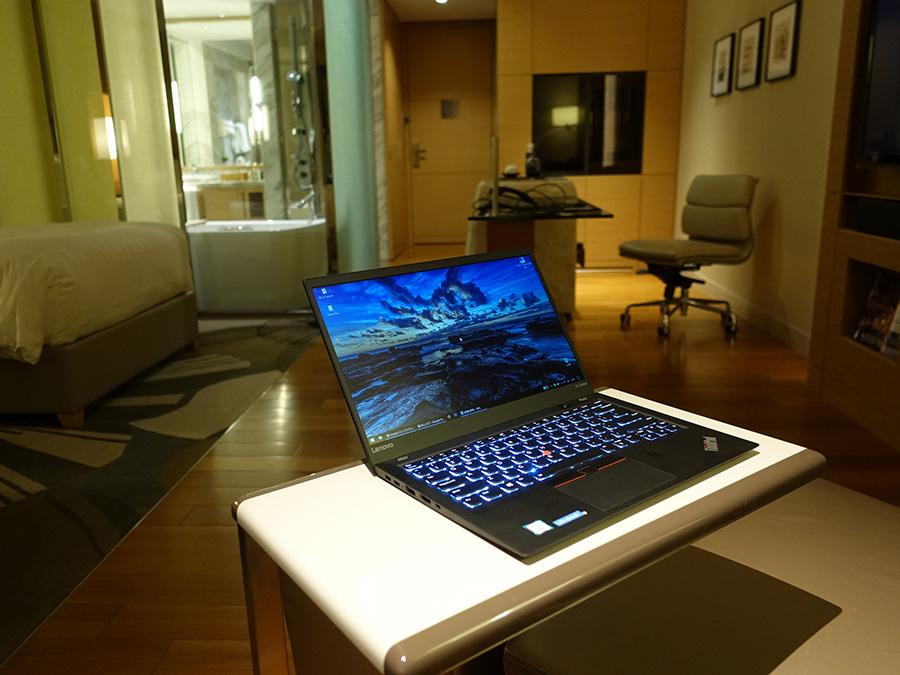 ThinkPad X1 Carbon バッテリー駆動時間も進化