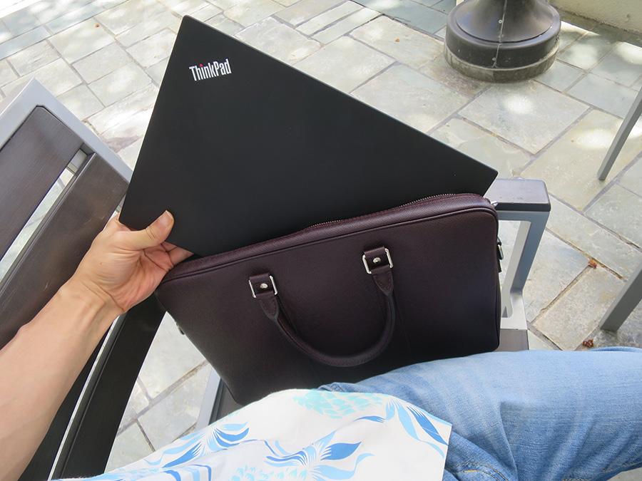 ハワイでX1 Carbonとヴィトンのバッグ