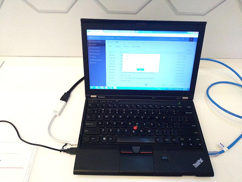 ファーウェイブースのThinkPad X230