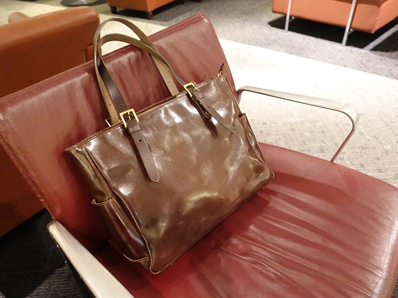 海外出張 X1 Extremeを持ち運ぶためのトートバッグ